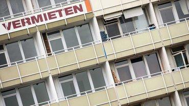 Die einen Vermieter lassen ihre Häuser leer stehen, die anderen treiben die Mieten in die Höhe