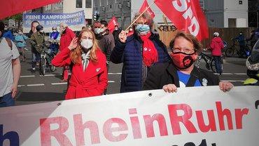 Demo mit SPD-Rtasherr Martin Volkenrath